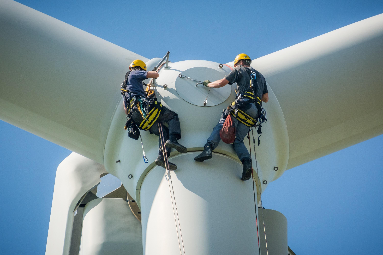 Windmills and their challenging maintenance work